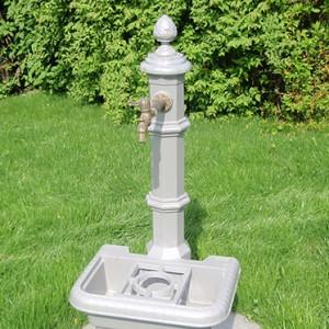 Trinkbrunnen mit Brunnenschale und Messing-Auslauf