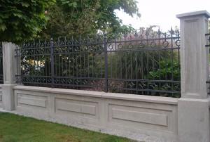 Zaun aus Schmiedealu